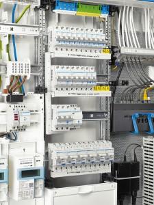 Stromkreisverteiler offen